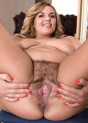 Pic old pussy Granny Pussy